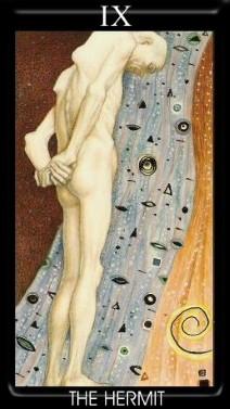 9 Аркан Отшельник Золотое Таро Климта